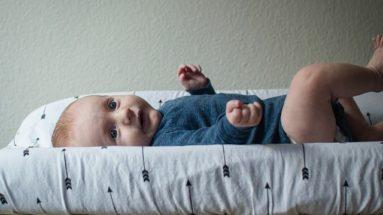 couche bébé change matelas à langer